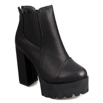 Black Retro Ankle Boots With Zip and Chunky Heel Design