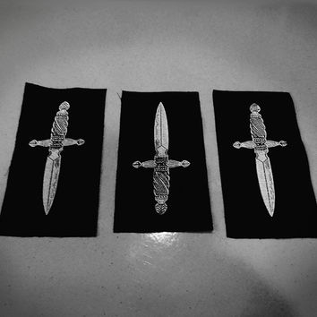 Small dagger patch - an occult dagger on black fabric - classic black metal - handmade, designed, screen printed sew on patch, white print
