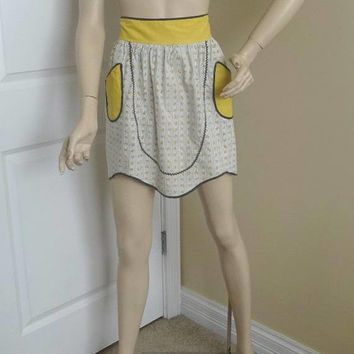 1950s Vintage Cotton Apron in Yellow and Gray, Yellow Strawberry, Flowers, Gray Stripes, Gray Rick Rack Trim, Vintage Fabric, Vintage Apron