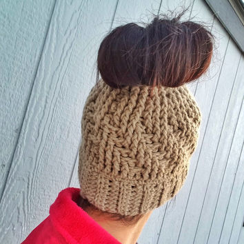 Textured Messy Bun Hat, Messy Bun Hat, Ponytail Hat, Crochet Hat, Women's Hat, Running Hat, Messy Bun Bennie