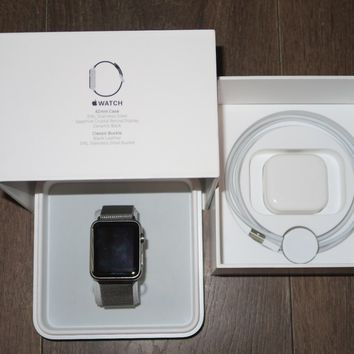Apple Watch 42mm Stainless Steel Case Silver Milanese loop (MJ3Y2B/A)