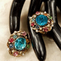 Beautiful Vintage  Multi-Coloured Rhinestone and Faux Pearl Floral Scatter Pins