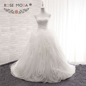 Rose Moda Plus Size Organza Ball Gown Strapless Ruffled Wedding Dress with Bow Lace Up Back Arabic 2018