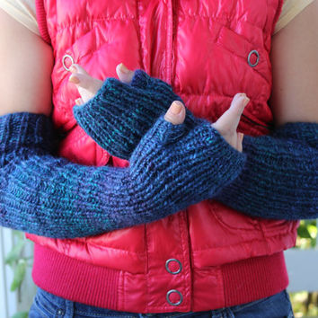 Alpaca Knit Long handwarmers. Made of alpaca blend in green blue mix color. Chunky arm warmers. Fingerless gloves. Winter. Spring fashion