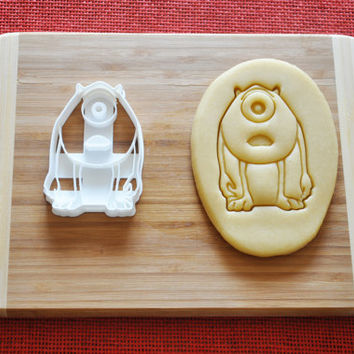 Monsters Mike Wazowski surprised Cookie Cutter Disney Cartoon Biscuit Cake Topper Fondant Gingerbread cutter Baby Shower Gift