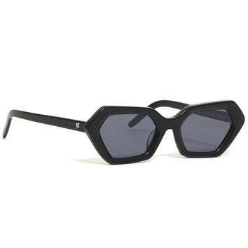 10 Deep x AKILA 720º Sunglasses Black