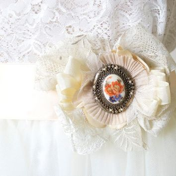 Wedding Dress Brooch ~ Vintage Cameo