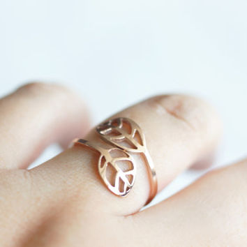 Leaf ring - rose gold titanium