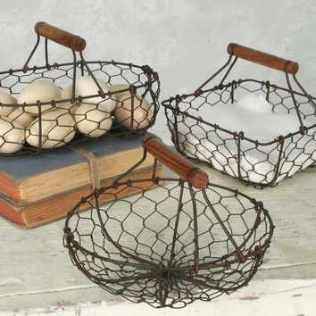Set of Three Chicken Wire Baksets