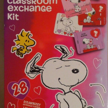 Peanuts Classroom Exchange Kit 28 Lollipops & Cards with Teacher Card New in box