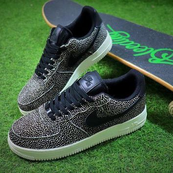 DCCKU62 Nike Wmns Air Force 1 '07 LX Animal Prints Pack Stingray Sneaker AF1 898889-002 Shoes