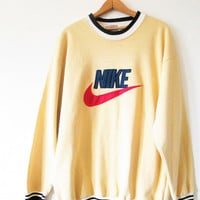 Vintage 1990s Yellow NIKE Swoosh Just do It Sweatshirt Sz M