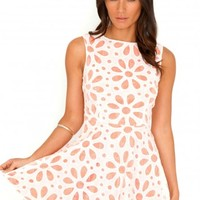 Missguided - Suri Neon Lace Swing Dress In Neon Coral