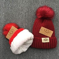 UGG Knit And Pom Hat Cap Burgundy I