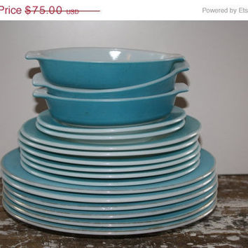 Blue Pyrex Mid Century Plates by shoppnspree on Etsy