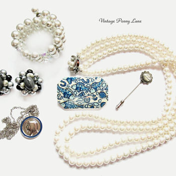 Destash Lot Vintage Costume Jewelry / Jewellery, Silver / Pearl / Blue