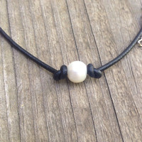 Pearl and leather necklace, pearl necklace, beach necklace, knotted single pearl necklace