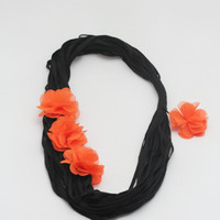 Halloween,  infinity scarf, halloween accessory, Black and orange chunky scarf with flowers,  Chunky Cowl Necklace , Circle Scarf,