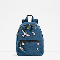 DENIM PINS BACKPACK DETAILS