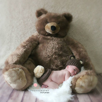 Newborn/Preemie Crochet Baby Bear Hat & Bum Cover. Baby Photo Prop Outfit For Newborn or Preemie.