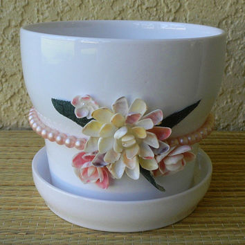 White Glazed Planter with Pearls and Shell Flowers