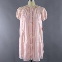 Vintage Nightgown and Robe Set / Pastel Pink Embroidered Daisy