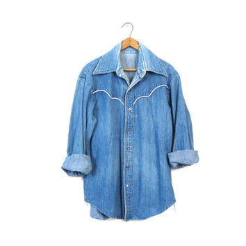 Western Denim Shirt 70s Pearl Snap Button Up Washed Out Womens Jean Shirt 80s Cowgirl Boho Slouchy 1970s Vintage Womens Medium Large