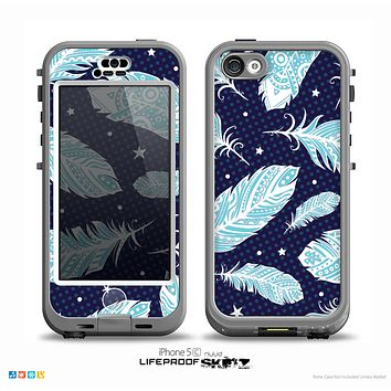 The Blue Aztec Feathers and Stars Skin for the iPhone 5c nüüd LifeProof Case