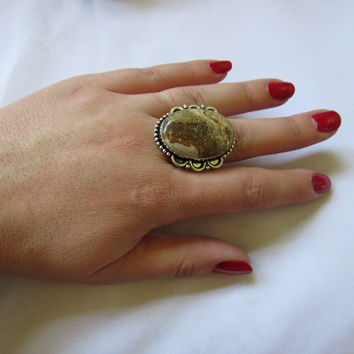 Silver Plated Large Stone Ring - Brown and White