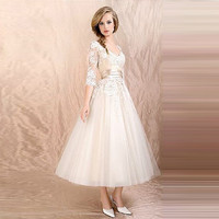 Romantic Fashionable 2015 Spring New White And Black Wedding Dress Tea Length Short Wedding Gown Tulle Appliqued Robe De Mariee