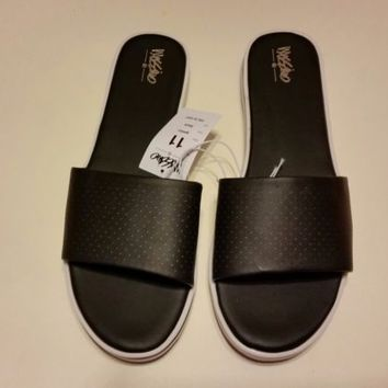 Black Mossimo  Pool Slide Size 11  Sandals
