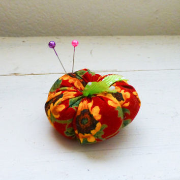 Tomato pincushion, red tomato, red pincushion, sewing notions, sewing room, ready to ship, handmade, tufted pincushion, button center