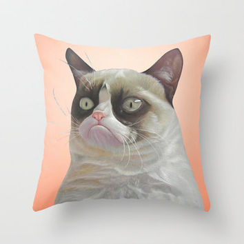grumpy-cat-Orange Throw Pillow by beart24