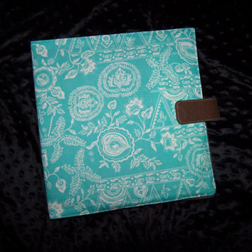 Teal Binder Cover place for 5 pens or pencils pocket in the back for note cards magnetic snap Back to school
