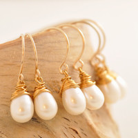 Bridesmaid Gift Set of 2 to 10 - bridesmaid earrings, matching earrings, gold pearl earrings, gift set of 2 3 4 5, gift set of 6 7 8 9, BR