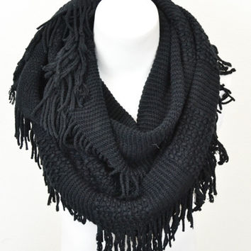 Snow Drift Fringe Scarf