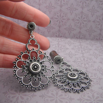 0g Ornate Antiqued Silver and Wood Flower Burst Dangle Plugs Size 0 g
