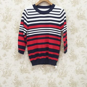 Tight-fit style triple-colored stripe round neck sweater