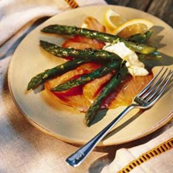 Grilled Asparagus with Smoked Salmon and Tarragon Mayonnaise | Williams-Sonoma