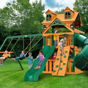 Gorilla Playsets Mountaineer Clubhouse Malibu Wooden Swing Set