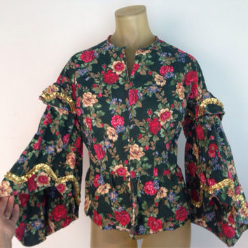 Prairie Style Blouse Green Floral Gold Ruffle Trim Vintage 60s Boho Wide Sleeve Fitted Shirt Front Hooks Closed Red Pink Flowers Christmas S