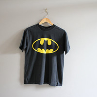 Batman Tshirt / Graphic Tees / Hipster / Grunge / Movie Tshirt / 90s Tshirt / Minimalist / Men's Tee / Vintage / Size M