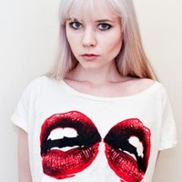 Two Lip Graphic Crop Tee