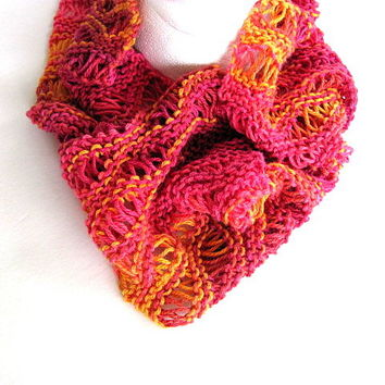 Cowl in Raspberry and Orange FREE US Shipping