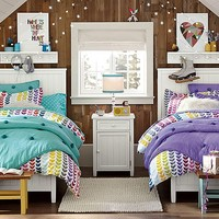 Beadboard Cozy Crinkle Bedroom