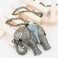 Classic Carved Elephant Rhinestone Pendant Chain Necklce