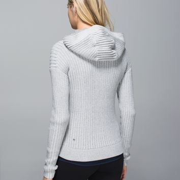 embrace hoodie *knit