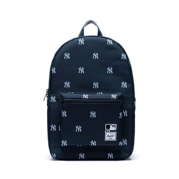 Herschel Supply Co. - Settlement MLB Outfield New York Yankees Backpack