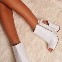Ventana White Open Back Peep Toe Heels | Pink Boutique
