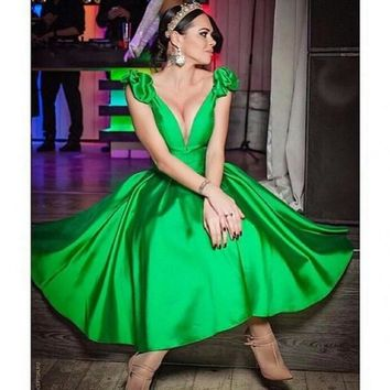 New Emerald Green Cocktail Party Dresses Short Dresses Satin V Neck 2017 Dress Vestidos De Noite Par